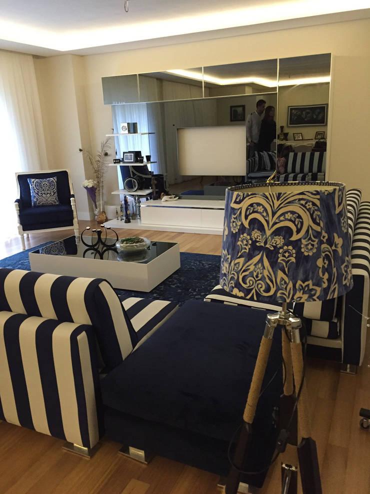 Murat Topuz Atelier – blue: modern tarz , Modern