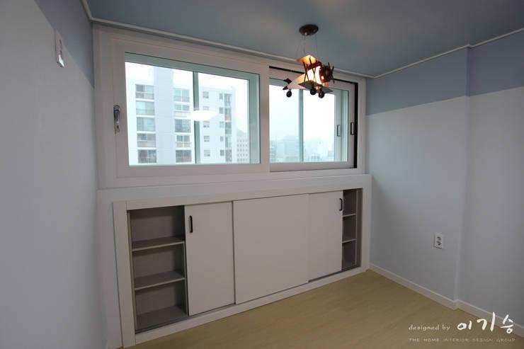 둔산동 한마루아파트 37평형: 더홈인테리어의  아이방,모던