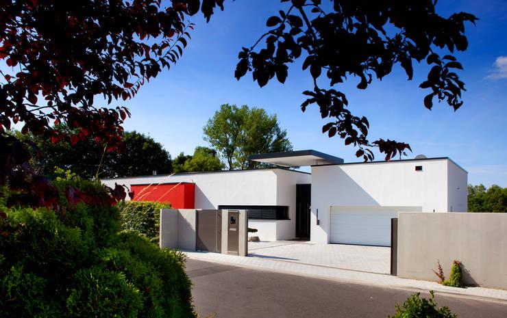 Maisons de style  par Klaus Geyer Elektrotechnik