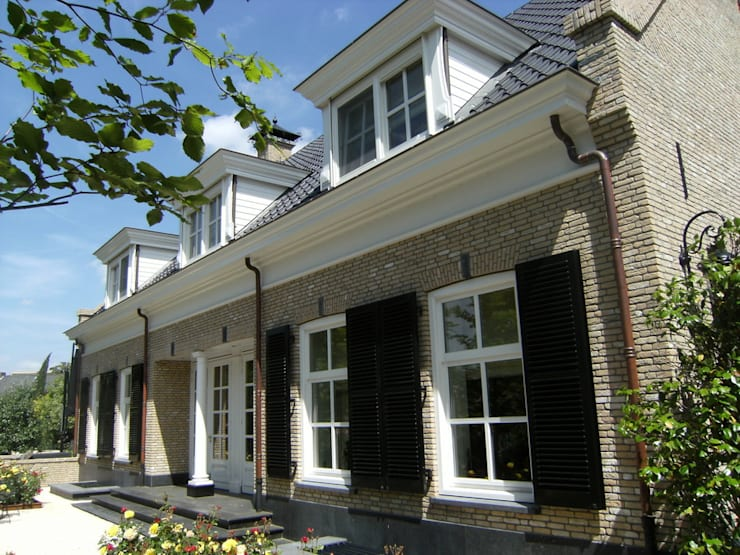 """Notariswoning Villa """"De Hofstede"""":  Huizen door Brand BBA I BBA Architecten, Klassiek"""