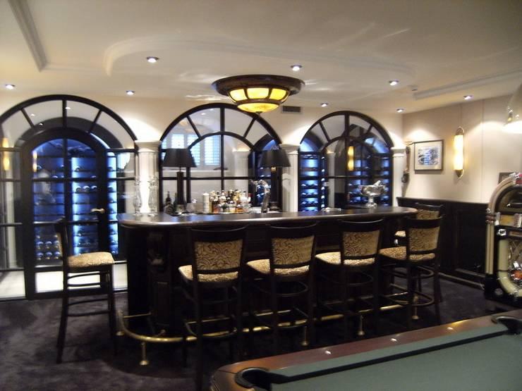 """Notariswoning Villa """"De Hofstede"""":  Wijnkelder door Brand BBA I BBA Architecten, Klassiek"""