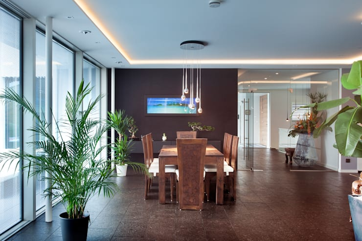 Salle à manger de style  par Klaus Geyer Elektrotechnik
