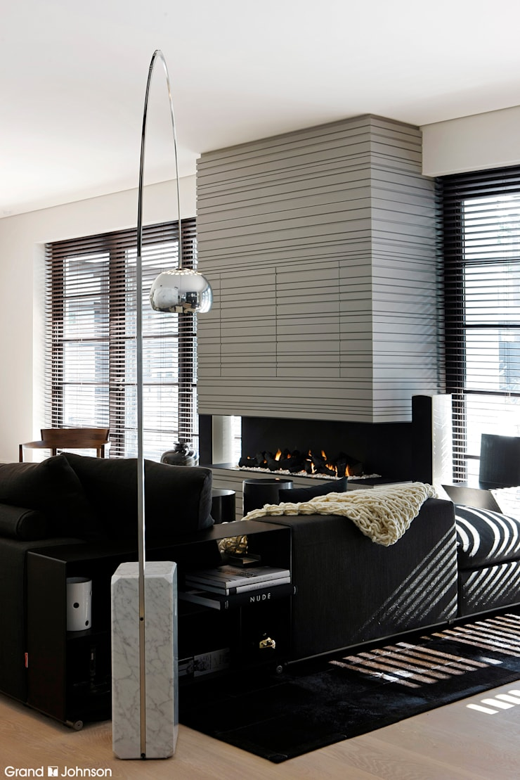 Living room:  Woonkamer door Grand & Johnson, Modern
