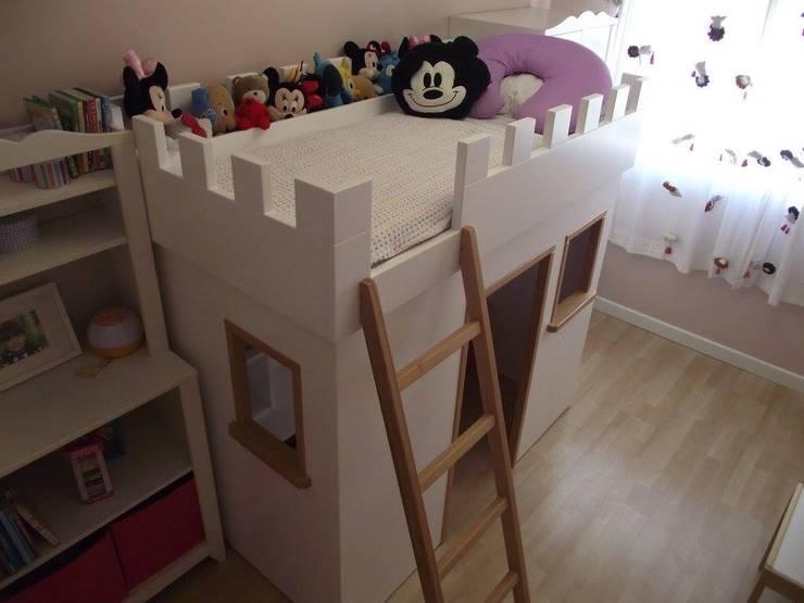 Cama Castelo: Quarto de crianças  por Luciana Ribeiro Arquiteta