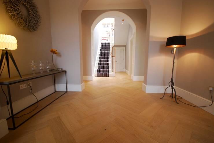Salle à manger de style  par Holz + Floor GmbH   Thomas Maile   Innovative Bodensysteme seit 1997