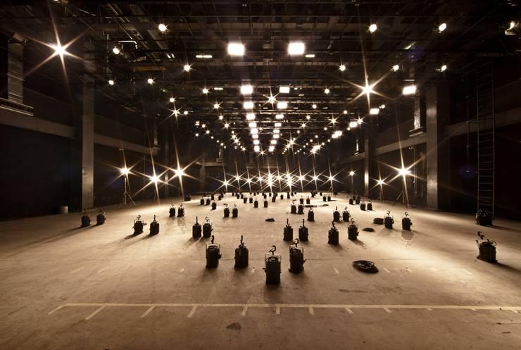 Foros TV Azteca: Estudios y oficinas de estilo  por Francisco Pardo Arquitecto