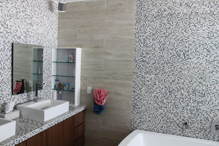 DEPARTAMENTO R-G: Baños de estilo  por IARKITECTURA