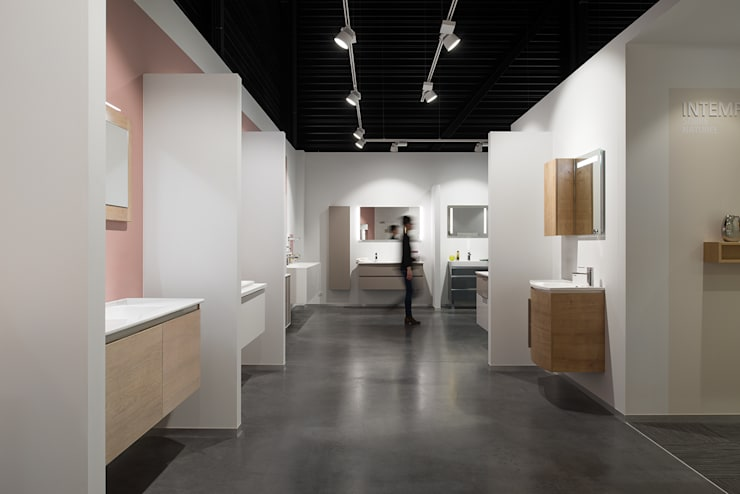 Modern offices & stores by Tymeno Modern