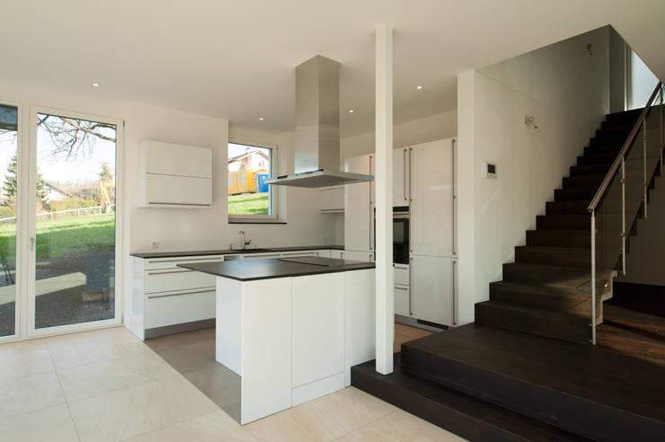 Кухни в . Автор – Mader Marti Architektur ETH SIA