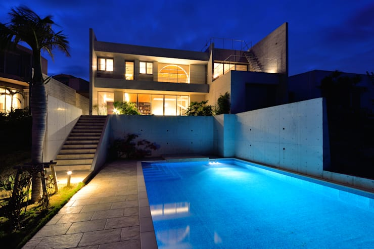 Na-house: 門一級建築士事務所が手掛けたプールです。
