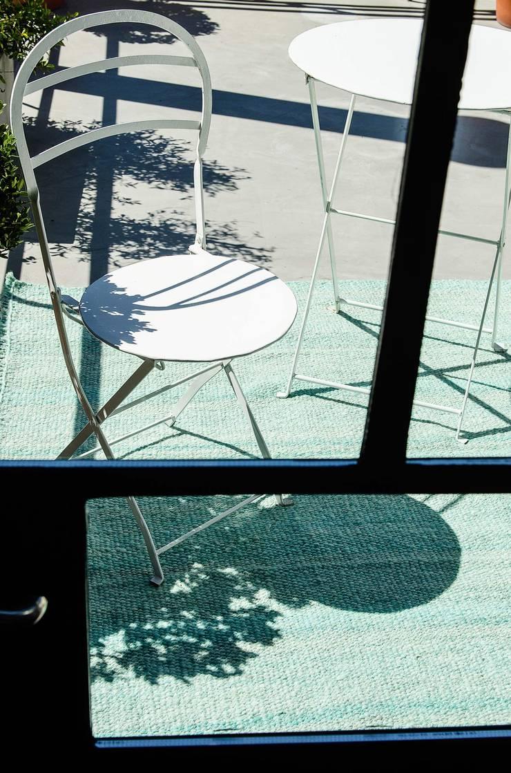Turquesa: Paredes y pisos de estilo  por Elementos Argentinos