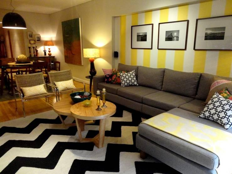 Santiago: Paredes y pisos de estilo moderno por Elementos Argentinos