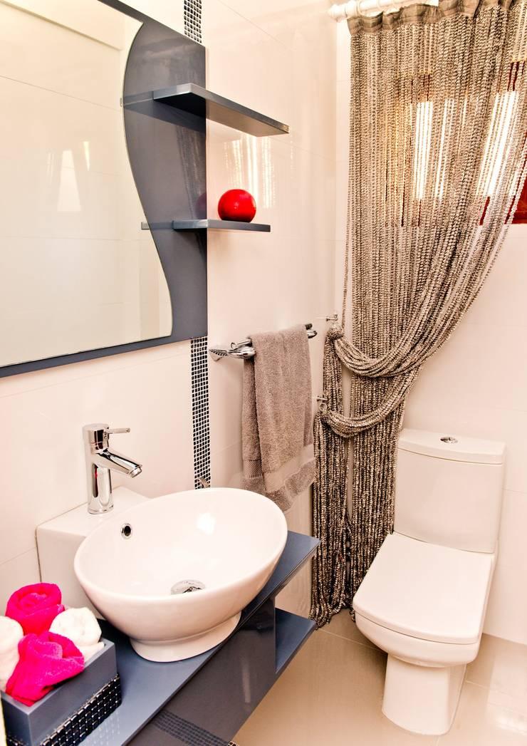 Şölen Üstüner İç mimarlık – Fatoş -Halil Kaan evi / Boğaz:  tarz Banyo, Modern