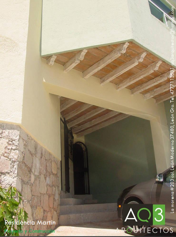 Residencia Martin : Casas de estilo  por AQ3 Arquitectos