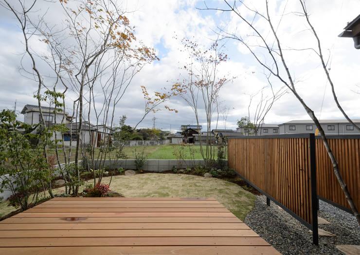 庭: バウムスタイルアーキテクト一級建築士事務所が手掛けた庭です。