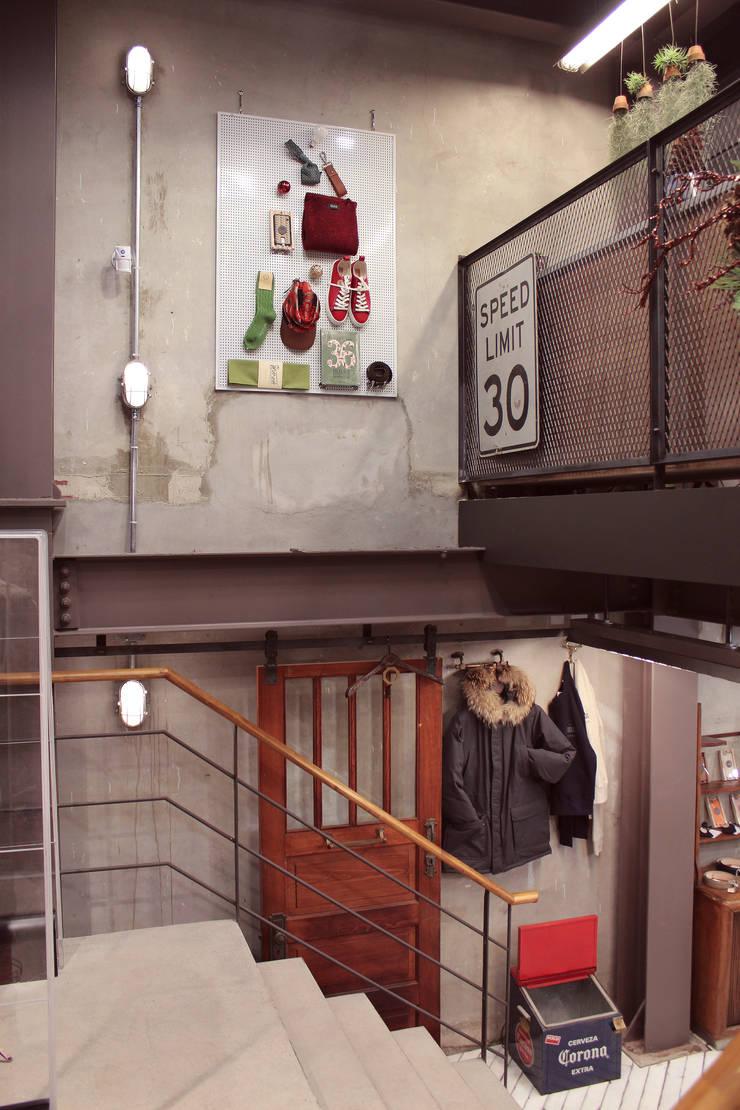 beslow _SEOUL SLOWHOUSE STORE: (주)팀웍디자인의  상업 공간