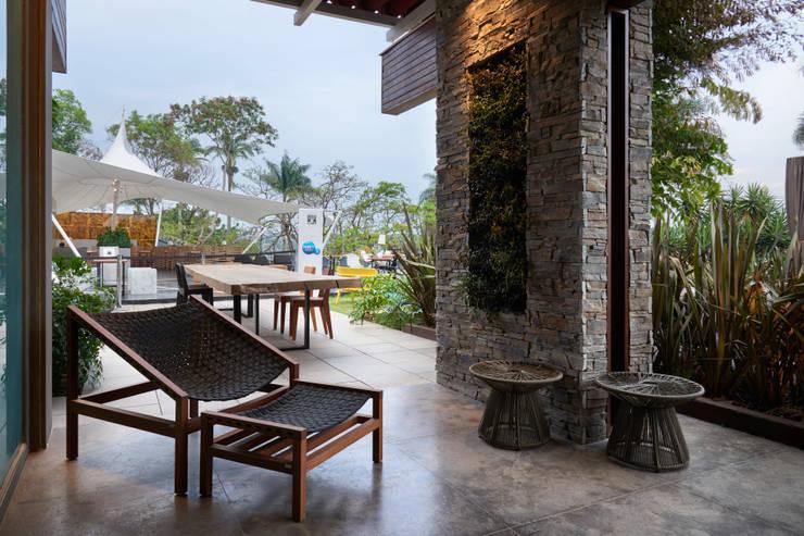 Patios & Decks by Gislene Lopes Arquitetura e Design de Interiores