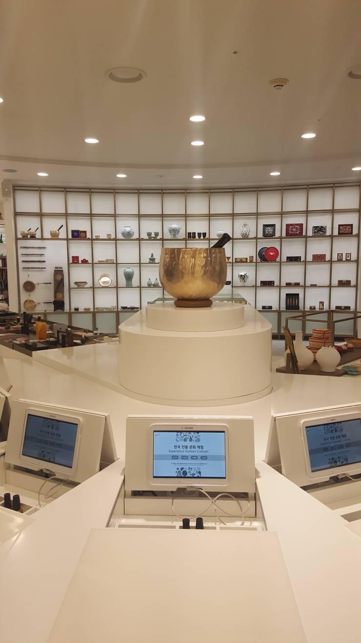 인천공항 한국전통문화센터_사랑: (주)팀웍디자인의  전시장