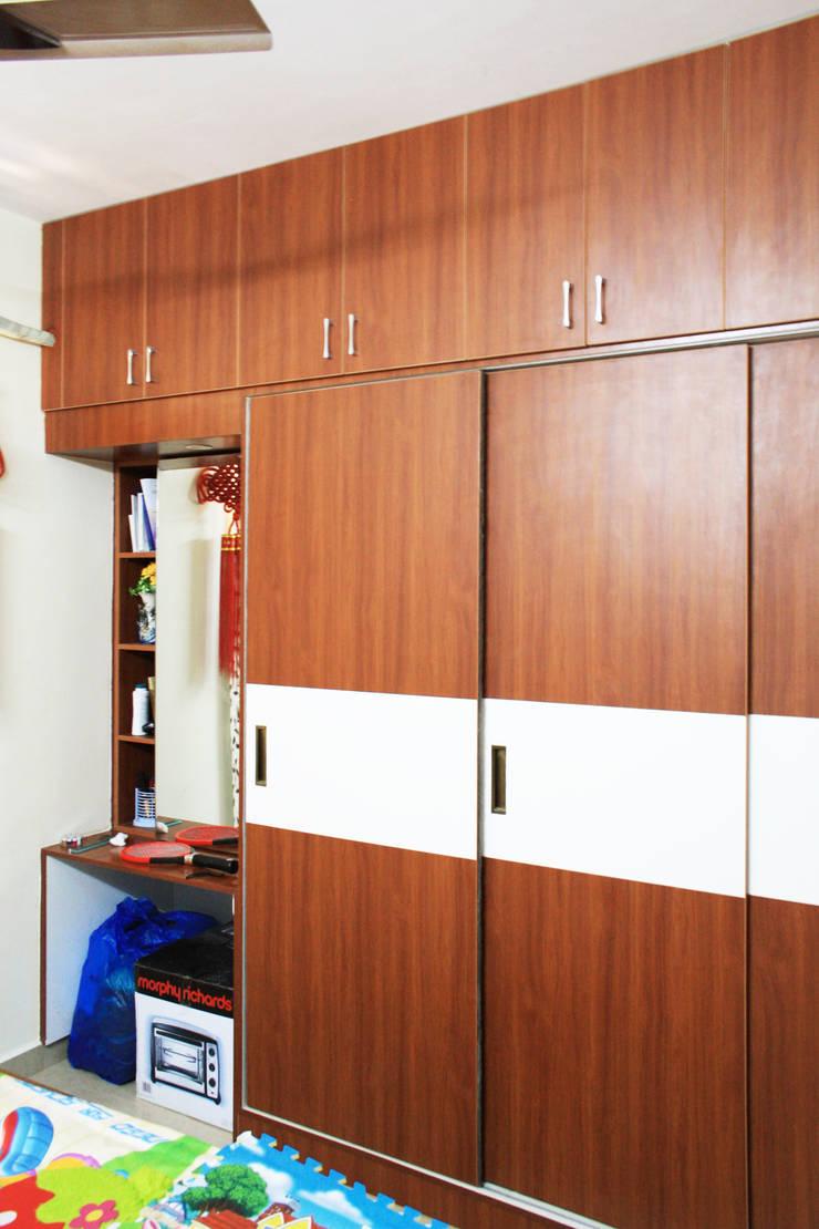 Kamar Tidur oleh Ashpra Interiors