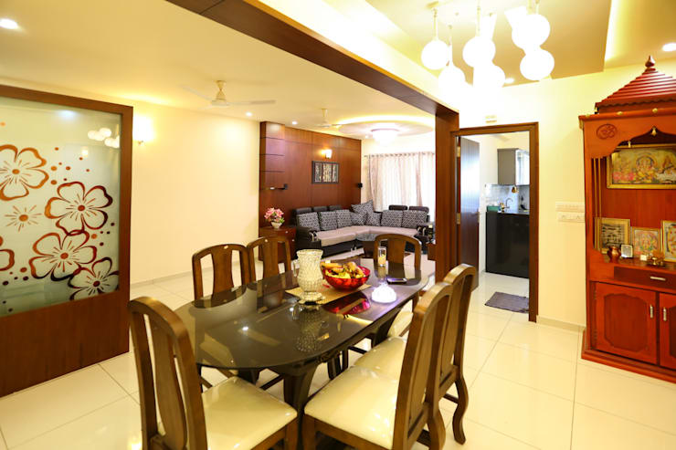 Independent house Manglore..:  Dining room by Ashpra Interiors