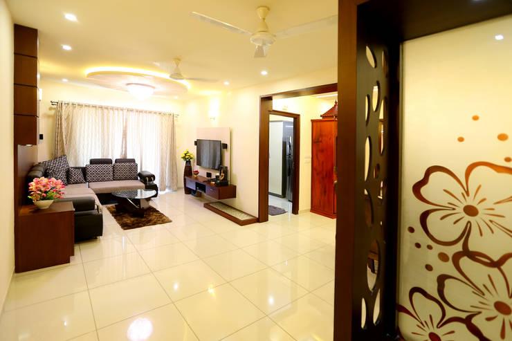 Independent house Manglore..:  Corridor & hallway by Ashpra Interiors