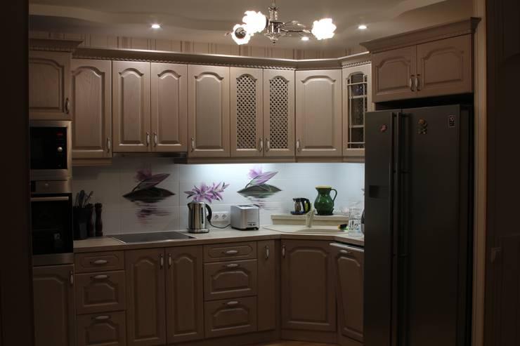 Классика: Кухня в . Автор – URBAN wood