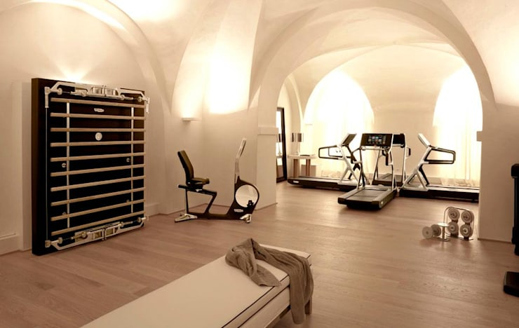 modern Gym by Athletica Design