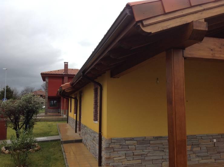 Casa una Planta (Asturias): Casas de estilo  de MODULAR HOME