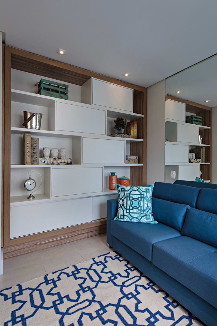 Home Theater por Branca Vieira Arquitetura e Design Moderno de madeira e plástico