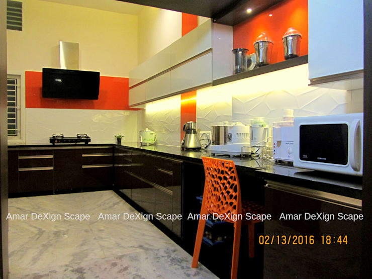 Mr.Senthil & Family Interior Renovation :  Living room by Amar DeXign Scape