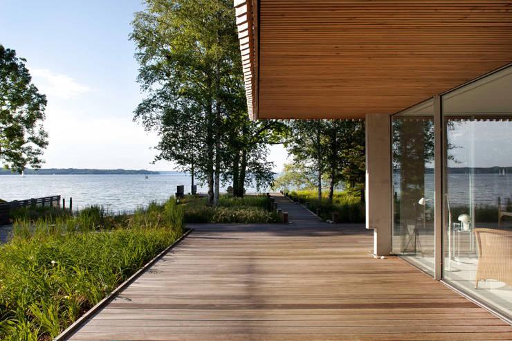Jardines de estilo  de Stephan Maria lang Architektengesellschaft