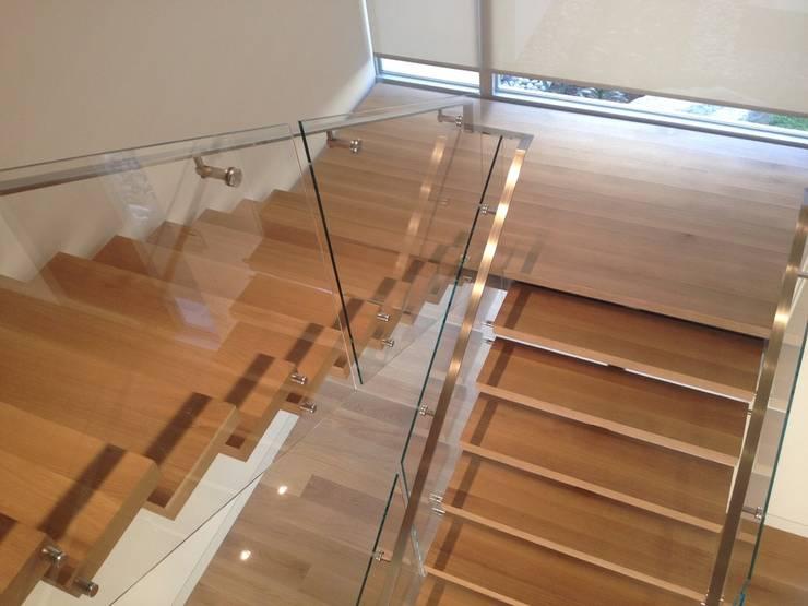 Prestige Ahşap Merdiven Dekorasyon San.Tic.LTD.ŞTİ – Villa Merdiven Tasarımı:  tarz İç Dekorasyon