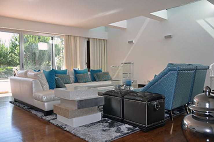 Living room by Matos Architects, Modern Wood-Plastic Composite