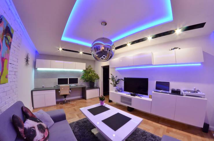 غرفة المعيشة تنفيذ Pracownia Projektowa Studio86
