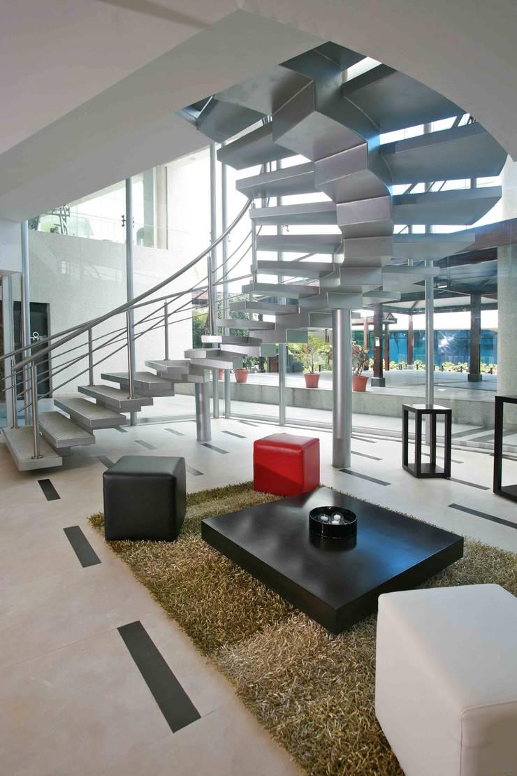 Lido Fitness & Spa: Espacios comerciales de estilo  por Objetos DAC