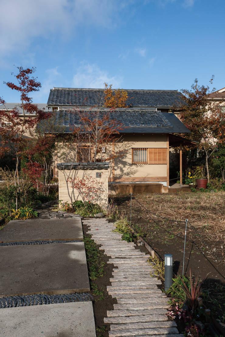 七左の離れ屋: 株式会社 けやき建築設計が手掛けた家です。