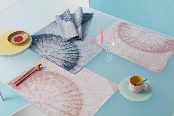 Fungy! Placemats:  Woonkamer door Roos Soetekouw Design