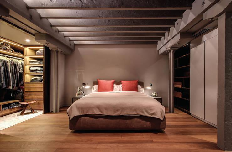 غرفة نوم تنفيذ LUV-Architecture & Design
