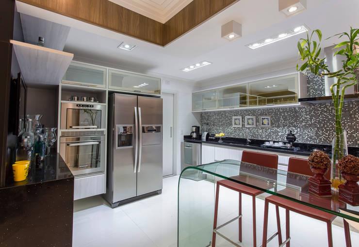 Cozinha: Cozinhas  por MarciaArcaro Design