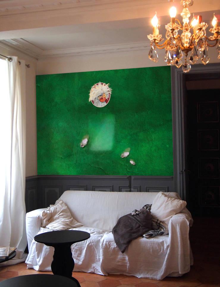 """CRAZY CHICKEN """"JACQUELINE"""": Murs & Sols de style  par ELISABETH LEROY Collections"""