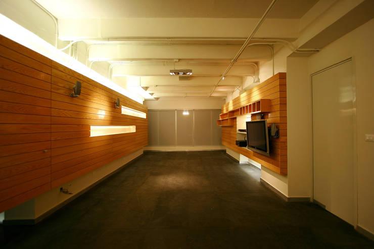 Copo - RIMA Arquitectura: Salas de estilo  por RIMA Arquitectura