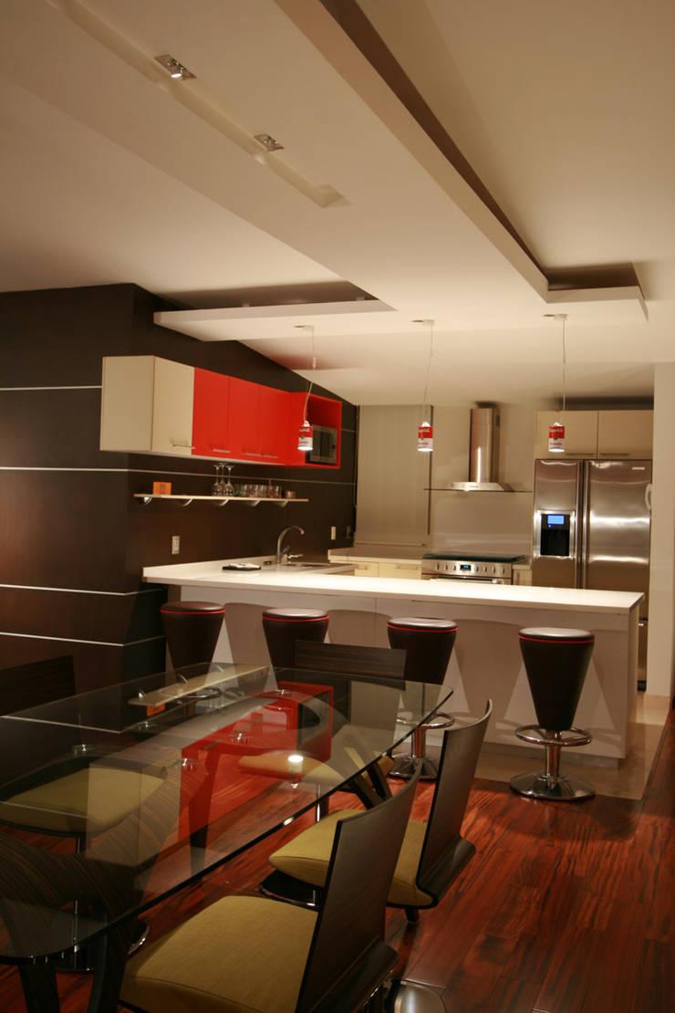 Taracena - RIMA Arquitectura: Comedores de estilo  por RIMA Arquitectura
