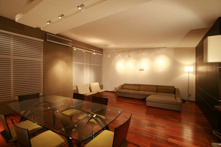 Taracena - RIMA Arquitectura: Salas de estilo  por RIMA Arquitectura