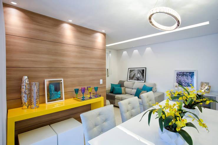 Apartamento 65M2: Salas de jantar  por Vanda Carobrezzi - Design de Interiores