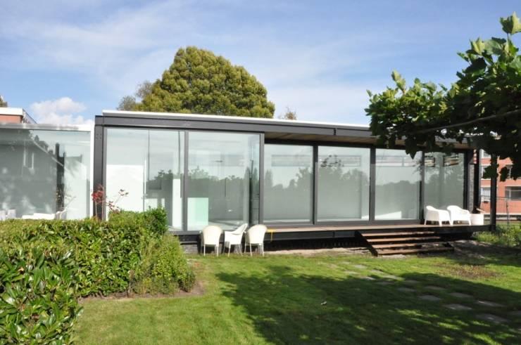 Casas de estilo  por AV Architectuur