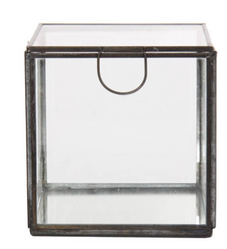 Caixa de Vidro Grande: Casa  por Manuela Bento Decor