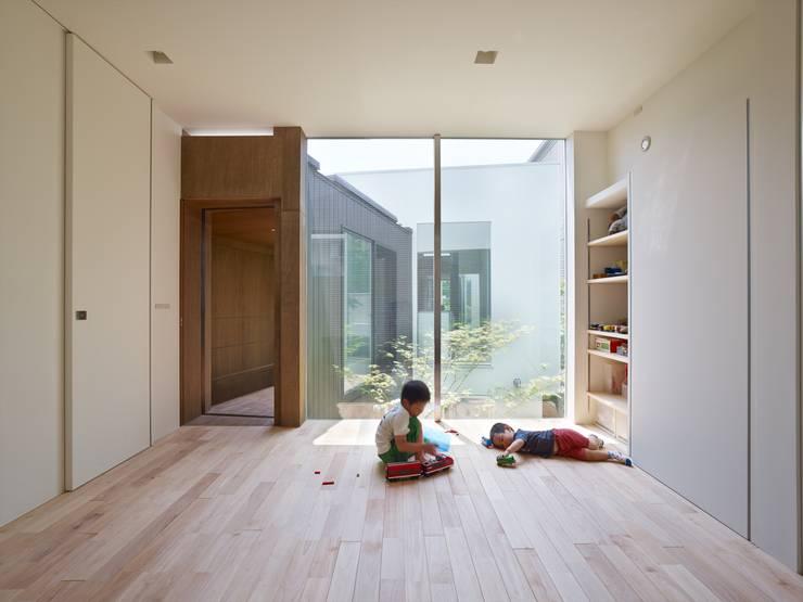 住吉の家: 藤原・室 建築設計事務所が手掛けた子供部屋です。