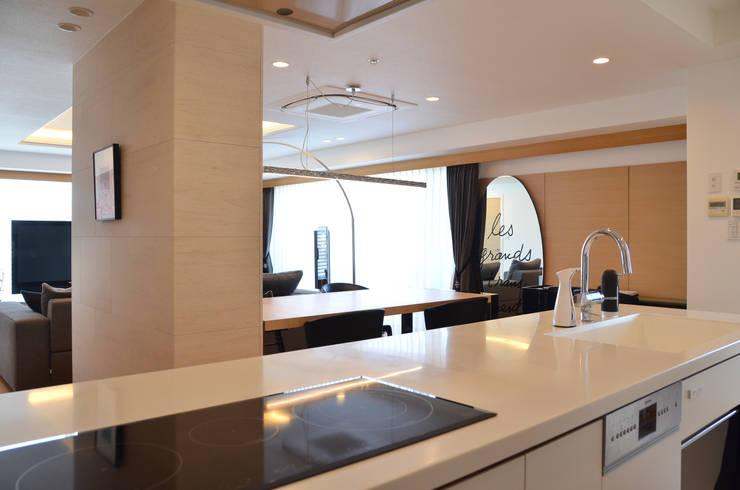 終の棲家: 風景のある家.LLCが手掛けたキッチンです。