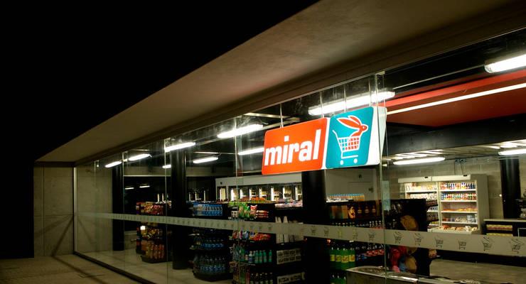 Miral - RIMA Arquitectura: Comedores de estilo  por RIMA Arquitectura