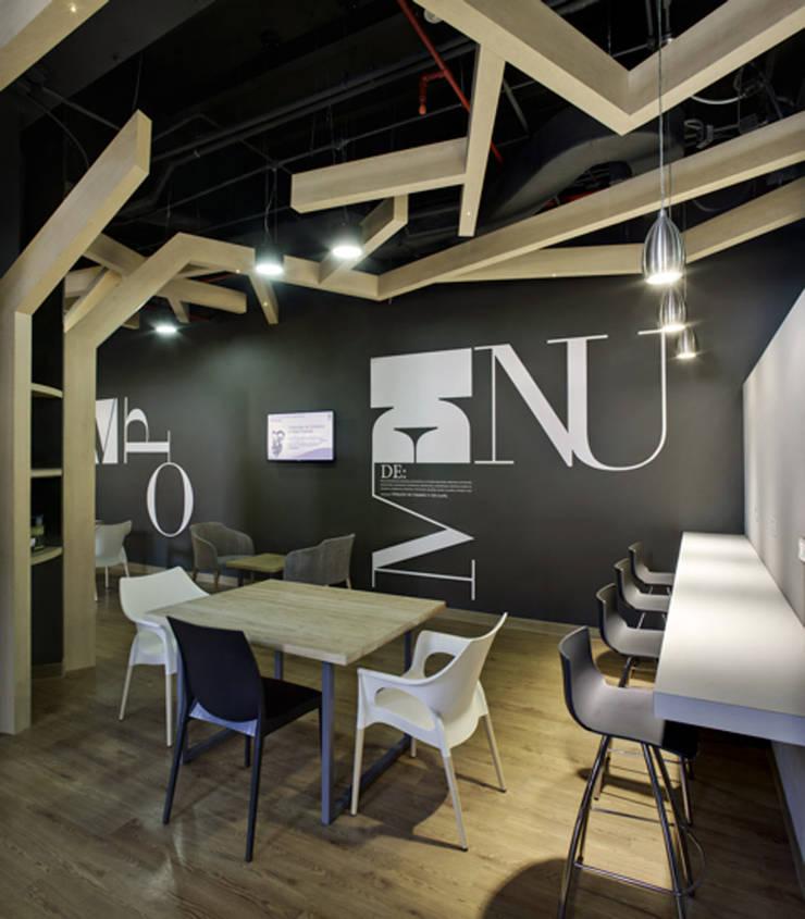 SCA - RIMA Arquitectura: Estudios y oficinas de estilo  por RIMA Arquitectura